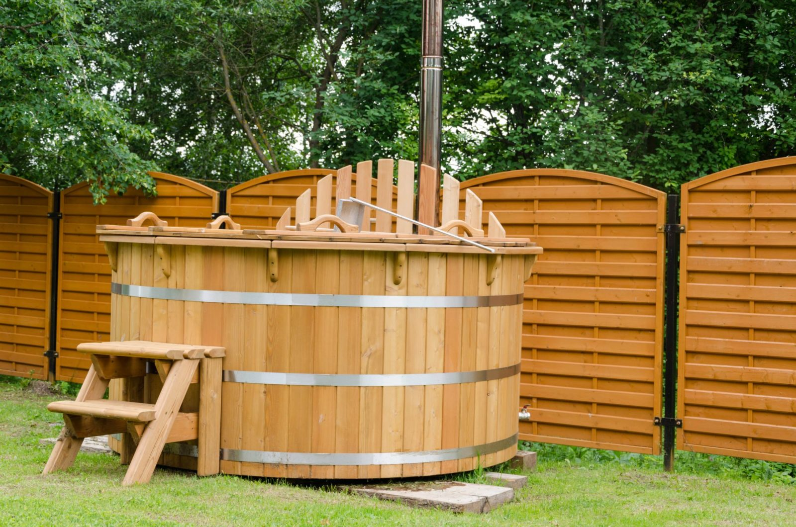 Old hot tub for hot tub removal